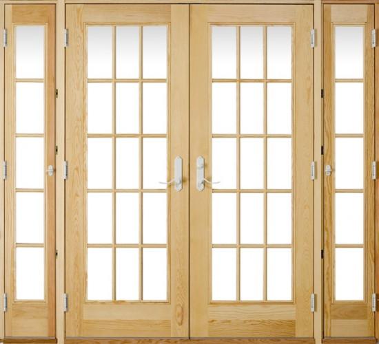 Двери из массива со стеклянными вставками