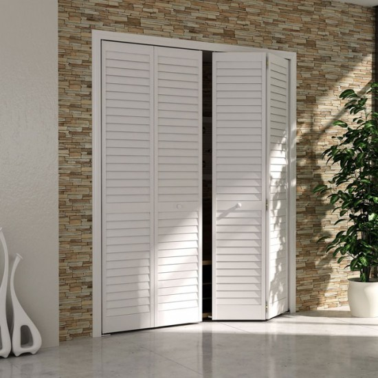 Установка жалюзийной двери ничем не отличается от установки других видов дверей