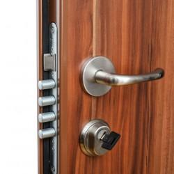 kak-vrezat-zamok-v-metallicheskuyu-dver-12