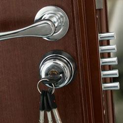 kak-vrezat-zamok-v-metallicheskuyu-dver-3