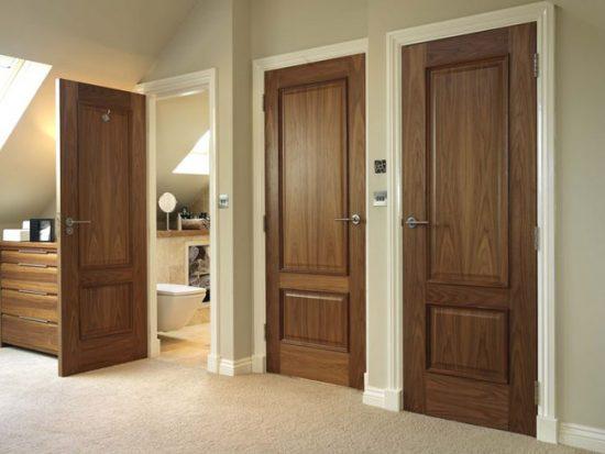 Наибольшую степень шумоизоляции обеспечивают деревянные двери