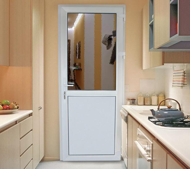plastikovye-dveri-mezhkomnatnye-12