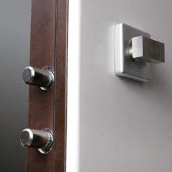 kak-vybrat-bronirovannye-vxodnye-dveri-v-kvartiru-4