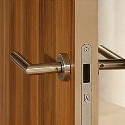 magnitnyj-zamok-na-mezhkomnatnuyu-dver-2
