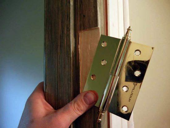 Выбирайте петли, по конструктиву подходящие к вашей двери