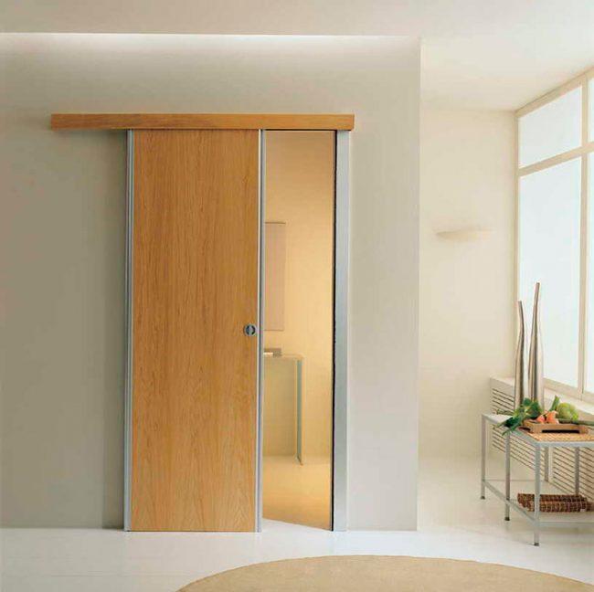 Откатные двери могут быть как одностворчатыми, так и двухстворчатыми