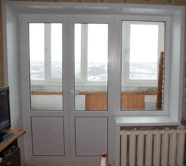 Регулировку пластиковых дверей и окон необходимо проводить регулярно