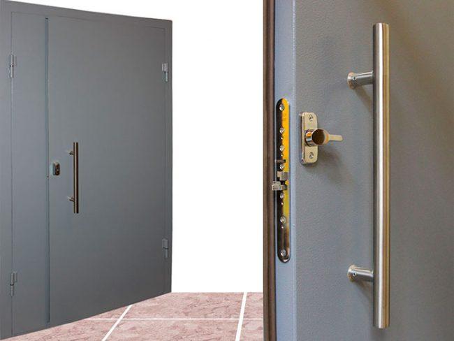 При выборе тамбурной двери не меньше внимания необходимо уделить замку