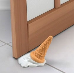 Как установить ограничитель для двери