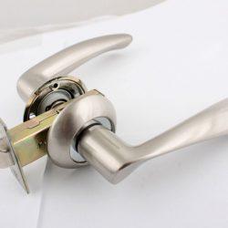 Дверная ручка для межкомнатных дверей как разобрать
