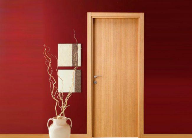 Как обклеить дверь самоклеющейся пленкой
